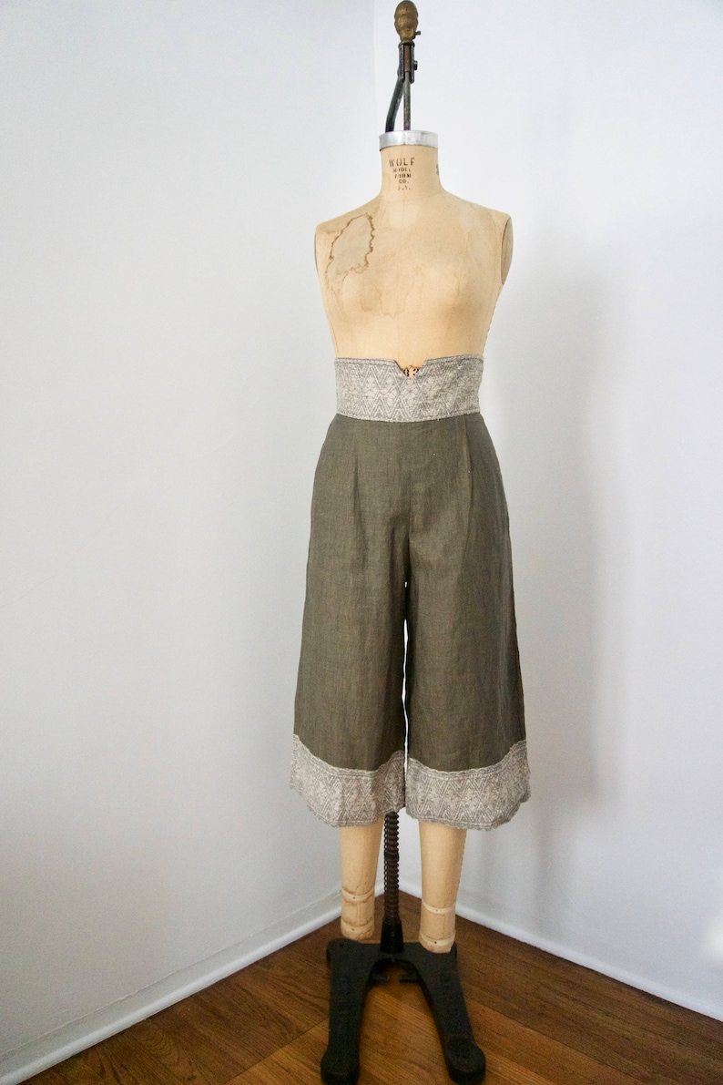 Culottes Xiao Studio High waisted Olive Green Linen and Silk ShortsLinen and Silk Pants