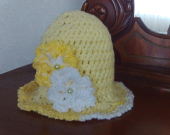 Yellow,hat,small newborn,crocheted,photo's,white,shower,gift,girls,baby,infants,wardrobe,clothing