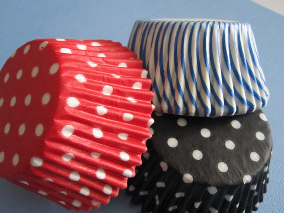 Assorted Red Black Blue & White Standard or Mini Baking Cupcake Liners