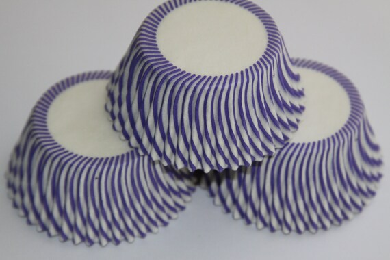 50 White and Purple Circus Striped Baking Liners