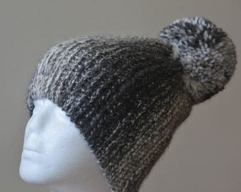 Knit Pom Pom Hat Undyed Baby Alpaca Ómbre Christmas Gift for Her and Him