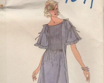 70s Flutter Sleeve Dress Pattern Vogue 1849 Size 10