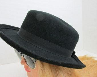 820073307aa Vintage wool felt hat