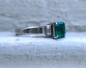 Lovely Vintage Platinum Diamond and Emerald Ring - 0.90ct.