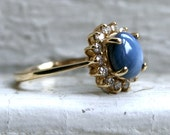 Stunning Vintage Star Sapphire and Diamond Engagement Ring in 14K Yellow Gold - 2.42ct.