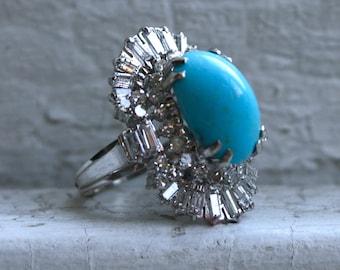 Stunning Vintage 14K White Gold Diamond and Turquoise Ring.