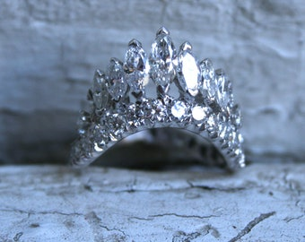 Vintage Diamond Tiara Ring in Platinum - 2.60ct.