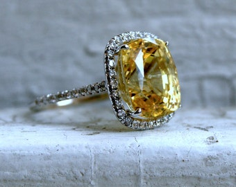Gorgeous Vintage 14K White Gold Diamond and No Heat Natural Yellow Sapphire Engagement Ring with GIA Cert - 13.16ct.