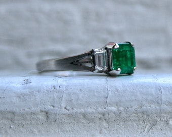Beautiful Vintage Platinum Diamond and Emerald Ring - 1.05ct.