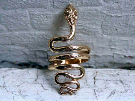 Remarkable Vintage 14K Yellow Gold Snake Ring.