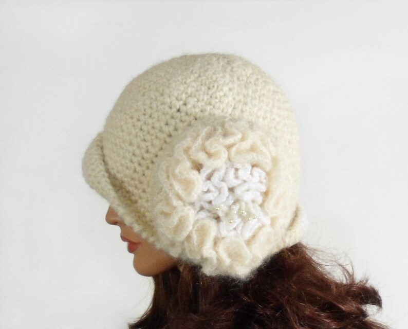 Crochet Cloche Hat with Large Flower Natural White