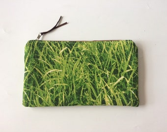 XL Travel Pouch With Photo Grass Print