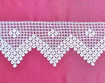 Antique crocheted wide lace with sawtooth edge, c.1900 off white lace
