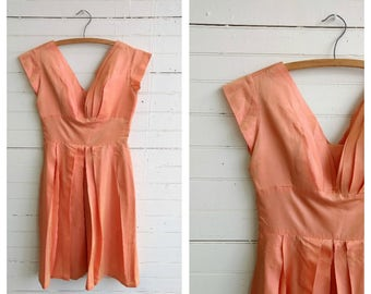 Vintage 1950s peach satin dress size small