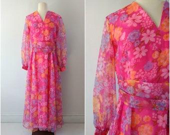 Vintage 1970s pink floral maxi dress size  medium