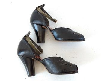 1940s platform peep toe shoes, 1940s heels, size 6