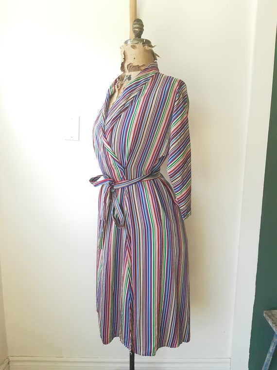 1940s house dress / 1940s 40s clothing / Satin Ho… - image 7