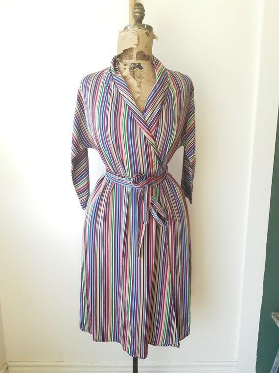 1940s house dress / 1940s 40s clothing / Satin Ho… - image 9