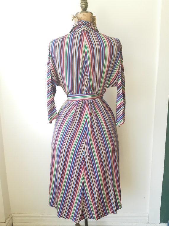 1940s house dress / 1940s 40s clothing / Satin Ho… - image 3