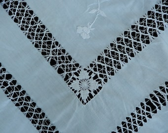 Antique Linen Tablecloth - Embroidered Cutwork Tablecloth - Large White Cutwork Tablecloth - Spiderweb Embroidery - Rare Linens
