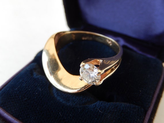 Diamond Ring - 14K Gold & Diamond Ladies Ring - E… - image 9