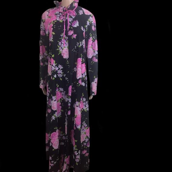 Acorn | Vintage 1970's | Victorian Style | Pink Ro