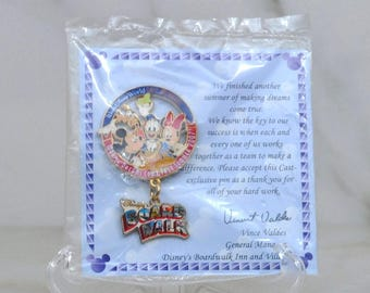 Walt Disney World Disney Cast Members - Making Dreams Come True Summer Boardwalk Dangle Pin Limited Edition Cast Member Exclusive 2007