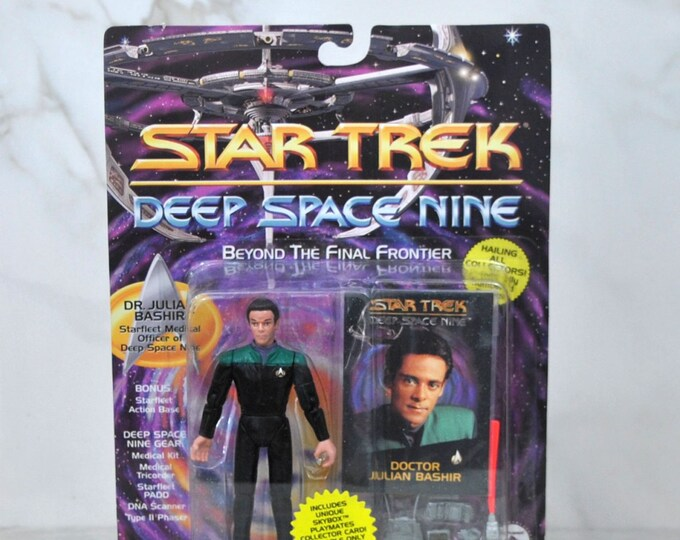 Vintage Playmates Star Trek Deep Space Nine Action Figure 1993 Doctor Julian Bashir Skybox Playmates Collector Card, DS9, Space Station