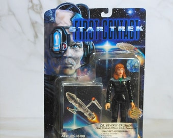 Vintage Star Trek Action Figure Dr Beverly Crusher Chief Medical Officer USS Enterprise 16100 16107 1996 First Contact, Playmates Figure
