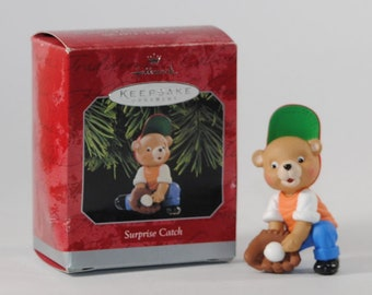 Vintage Hallmark Keepsake Christmas Ornament, Surprise Catch 1998