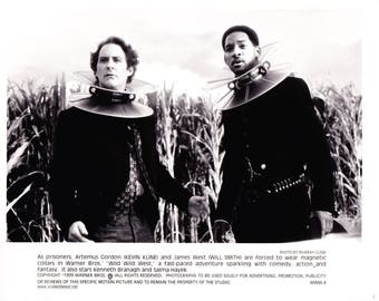 Vintage Photograph Kevin Kline, Will Smith In Wild WIld West 1999, 8x10 Black & White Promotional Photo