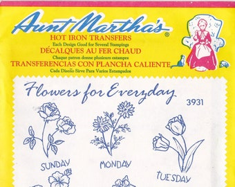 Vintage Aunt Martha's Hot Iron Transfer Flowers for Everyday 3931