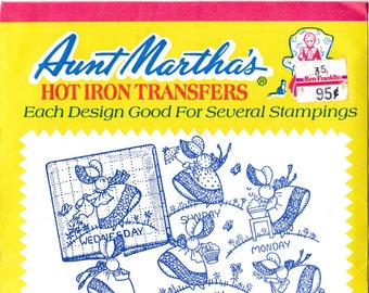 Aunt Martha's Hot Iron Transfers, Gay Colonial Miss #3216