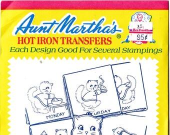 Aunt Martha's Hot Iron Transfers, Eight Kitten Motifs #129