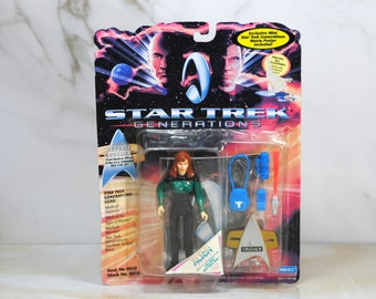 Vintage Star Trek Action Figure Doctor Beverly Crusher 6910 6924 1994, Generations