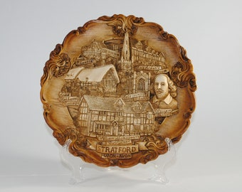 Vintage 3D William Shakespeare Birthplace Carved Wood & Resin Collector Plate, Wall Hanging of Stratford-upon-Avon, United Kingdom, 1980s