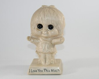 "Vintage Sillisculpt Statue by Russ Berrie 1970 ""I love you this much"""