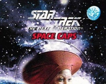 Vintage Star Trek The Next Generation Playmates Space Caps Trading Card 1994 Guinan No 4 - Bartender - Ten Forward - El-Aurian - Listener