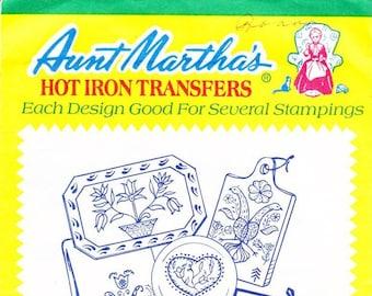 Aunt Martha's Hot Iron Transfers, Pennsylvania Dutch #3727