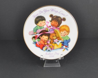 Vintage  Avon Plate How Do You Wrap Love Mother's Day 1992, Collectible Plate, Avon Collectible, Mom, Mother, Gift for Her, Avon Collection
