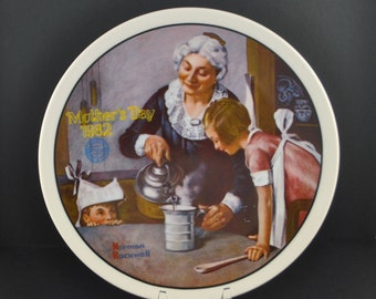 Vintage Norman Rockwell Mother's Day Plate 1982, Collectible Plate, Knowles Plate, Grandmother, Baking, Mother and daughter, Mother, Mom