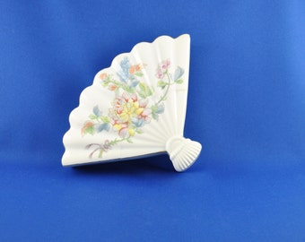 Vintage Fan Shaped Floral Trinket Dish, Andrea by Sadak, Porcelain, Lidded Dish, 5880, Made In Japan, Oriental, Floral, China, Vanity Dish