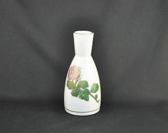 Vintage Kutani  Sake Decanter with a Kiki-Masamune Flower