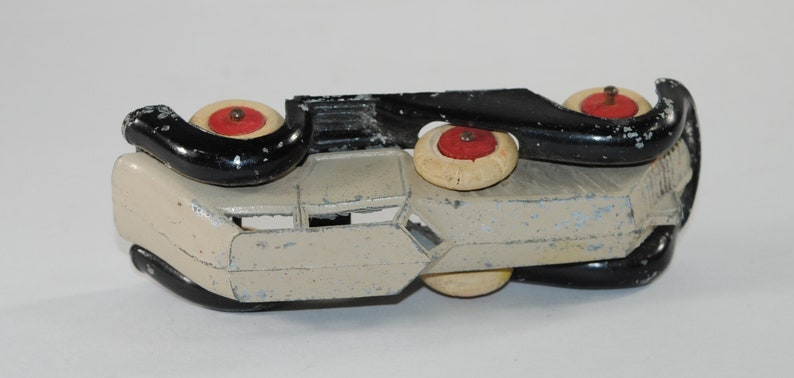 Diecast Metal Toy Hand Painted 1940s Vintage Manoil Streamline Coupe American Made Rare Marked Number 3 Made in the USA