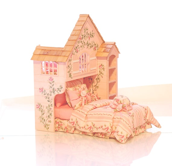 Miniature Dolls House Accessories Gingham Padded Pet Bed 1:12th scale Miniature