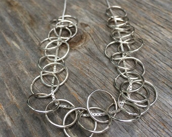 LOOPS sterling silver minimalist chain necklace