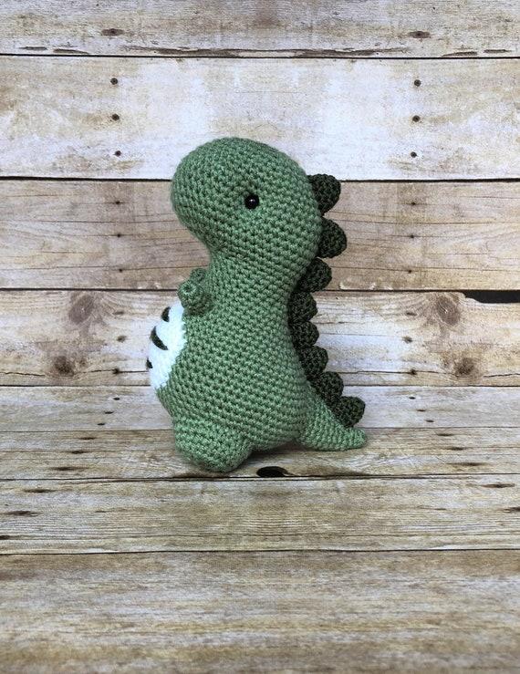 Ideas   How to Crochet an Amigurumi Dinosaur   739x570