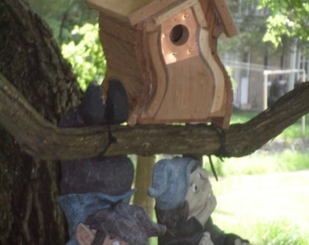 Cedar Bird House, Wooden Wren House, Natural Finish, Outdoor Birdhouse,Wren House, The Breezy