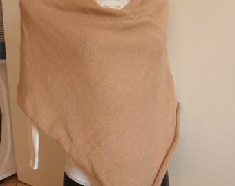 Poncho beige di misto lana b9fa9faa6cb