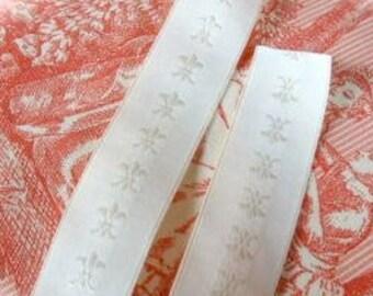 "Vintage Ribbon -  7/8"" x 2 or 3 yards - Ivory Fleur De Lis - Unusual Trim"